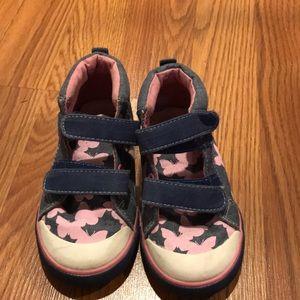 Vguc see kai run sneakers size 9